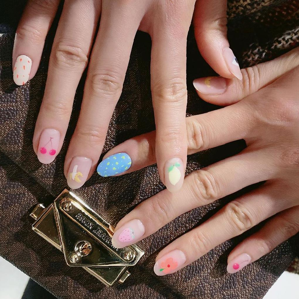 Gorgeous Round Nail Art Idea Images and Design round nail, nail ideas, round nail ideas, round nail design, round nail images, almond nails, korea nail design