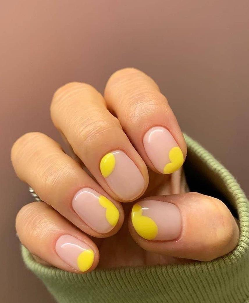 37 Cute Yellow and Orange Nails for Spring yellow nail ideas, orange nail design, acrylic nail ideas, coffin nails