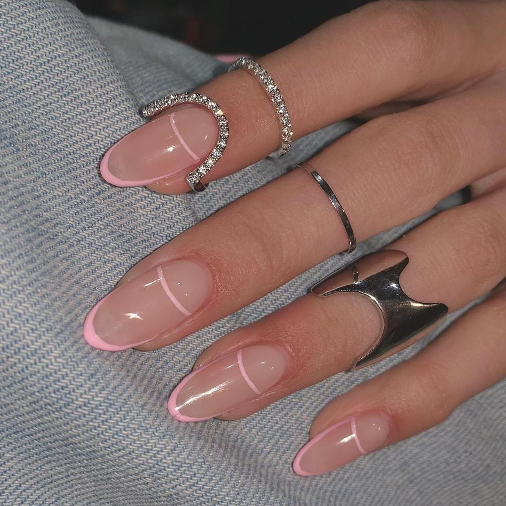 35 Breathtaking Almond Nail Designs to Try in 2020 almond nails,summer almond nails,glitter almond nails,french tip almond nails,ombre almond nails,pink almond nails